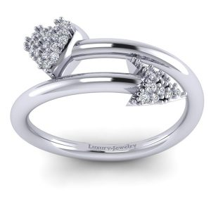 טבעת יהלומים לב וחץ זהב לבן
